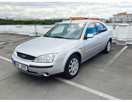 14.Ford Mondeo